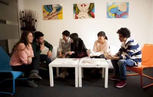 EC Oxford Student lounge 0156